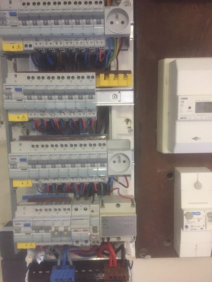 Normes lectriques rparation et de chauffage lectrique remise aux normes electriques electricien - Mise aux normes tableau electrique ...
